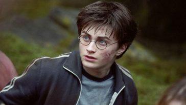 Viết về diễn viên yêu thích Daniel Radcliffe bằng tiếng anh